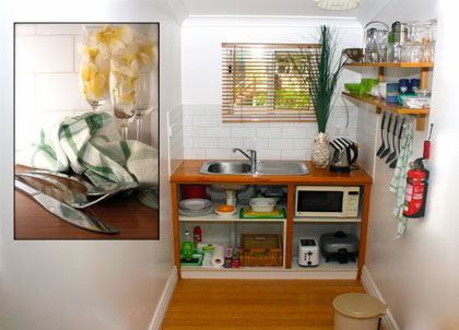 Kitchenette in room